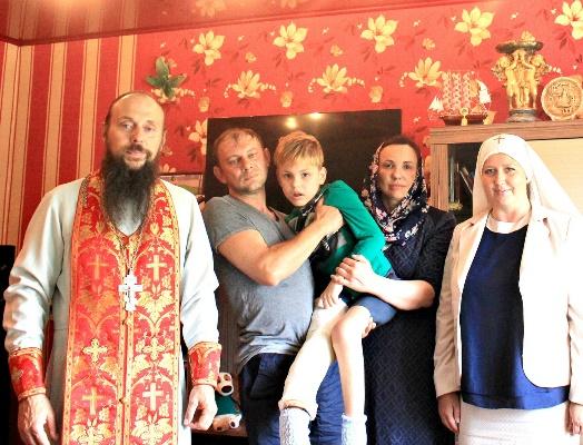 Сотрудники УФСИН России по Белгородской области оказали денежную поддержку 7-летнему ребенку